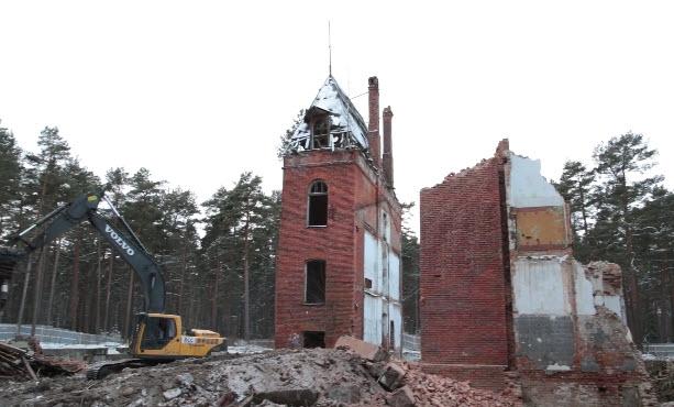 В Сестрорецке снесли остатки Лесного корпуса Сестрорецкого курорта