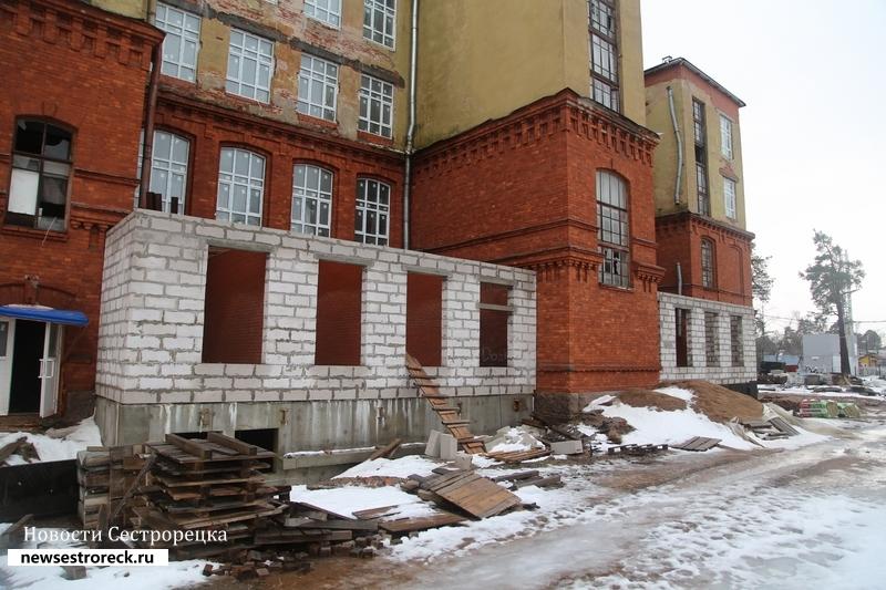 Комитет по строительству ищет компанию, которая завершит реконструкцию школы №434