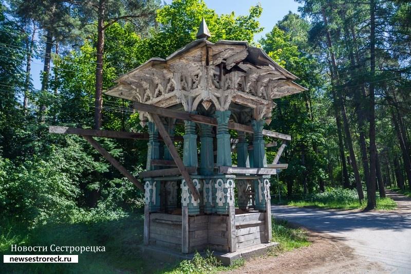 В Сестрорецке разрушается беседка Шаляпина