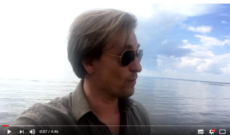 Сергей Безруков снял клип на песню «С какой мы планеты» в Сестрорецке